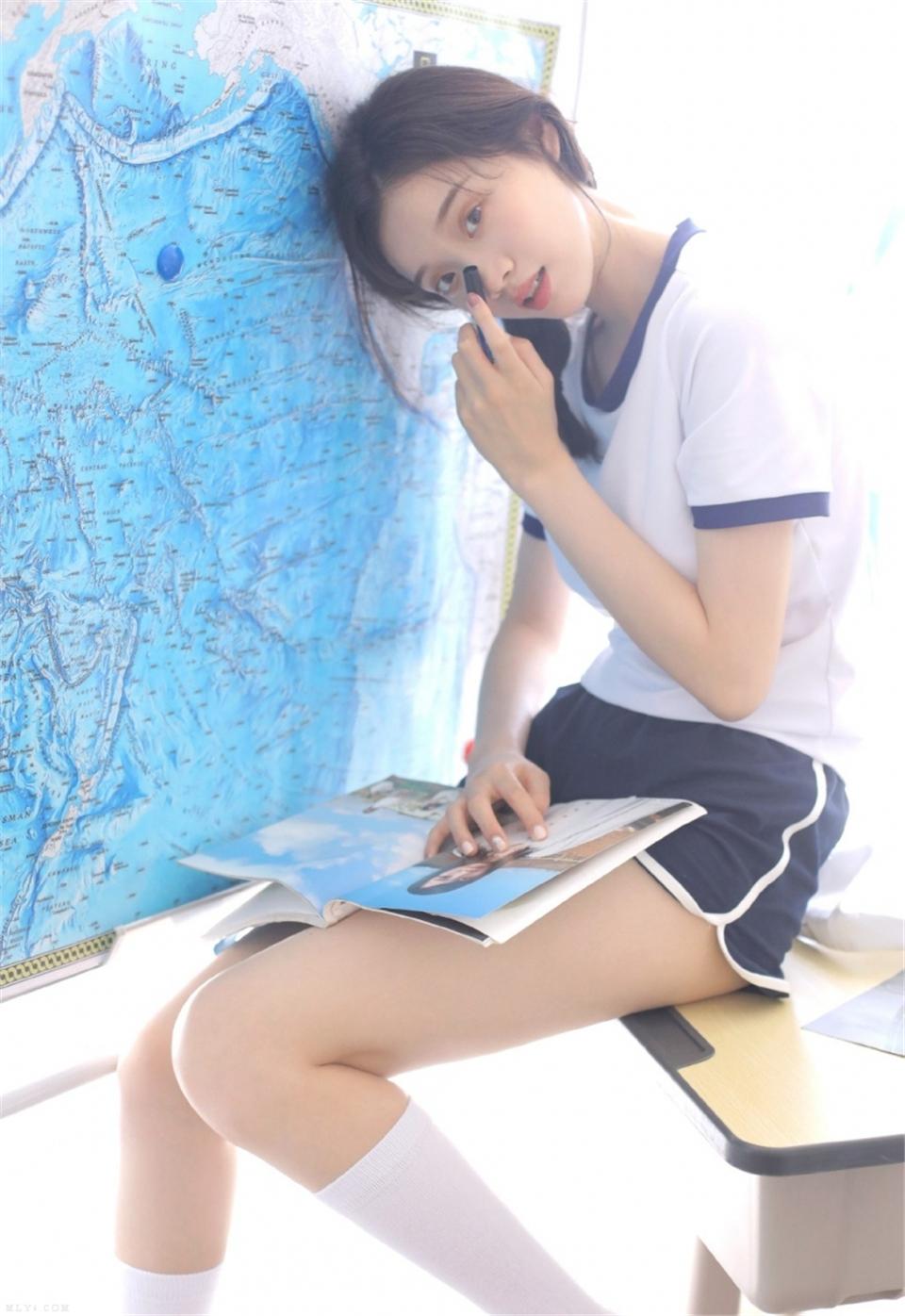 乖巧学生妹水手服白丝筒袜极品图库