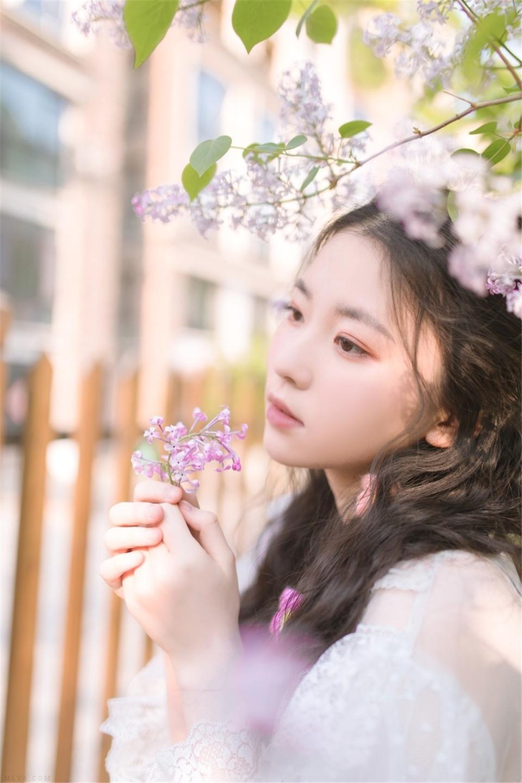 鹅蛋脸妹纸蕾丝蓬蓬裙精品美女写真