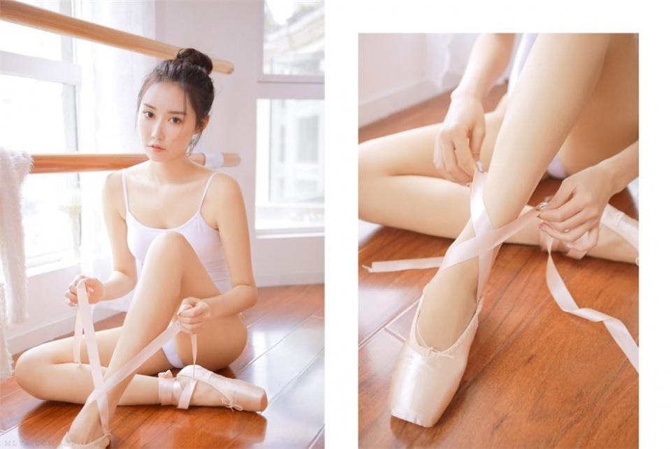 舞蹈室里旋转跳跃的清纯少女肌肤白皙唯美养眼另类图片