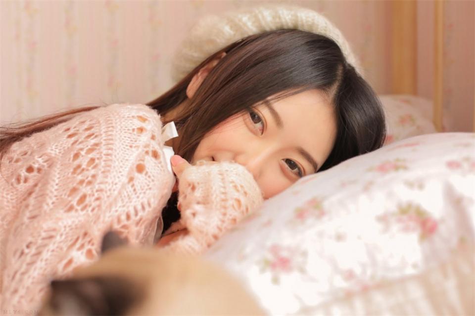 清新漂亮的小女人粉嫩公主风唯美养眼的亚洲自拍