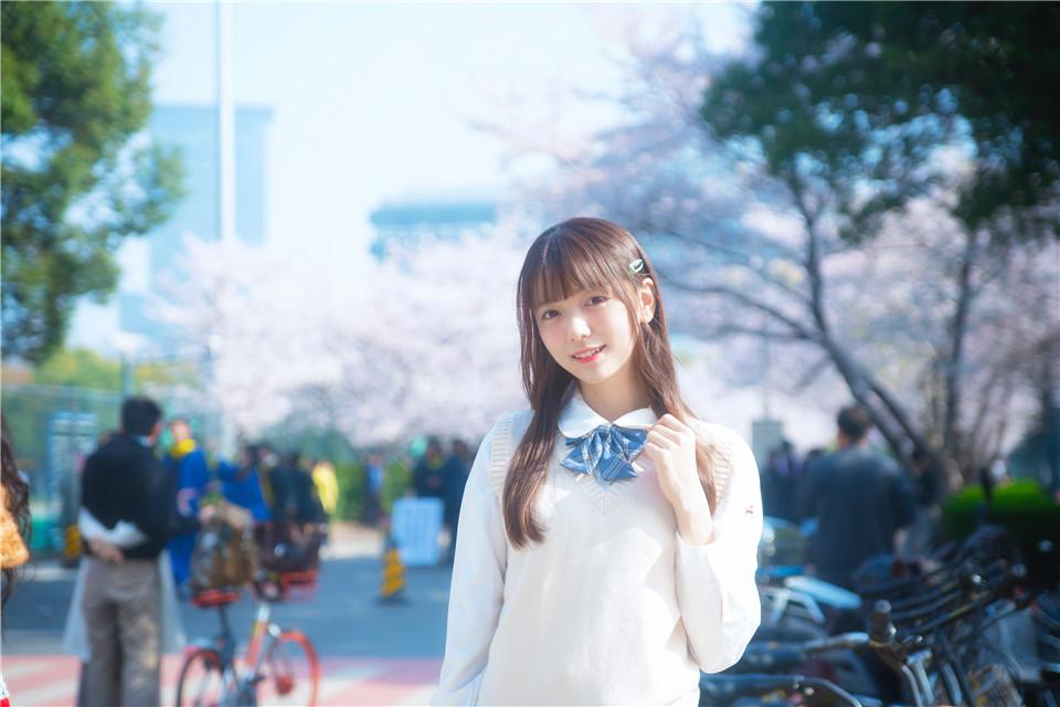 陆卿卿kyokyo NO.005 樱花与JK [9P][41MB]