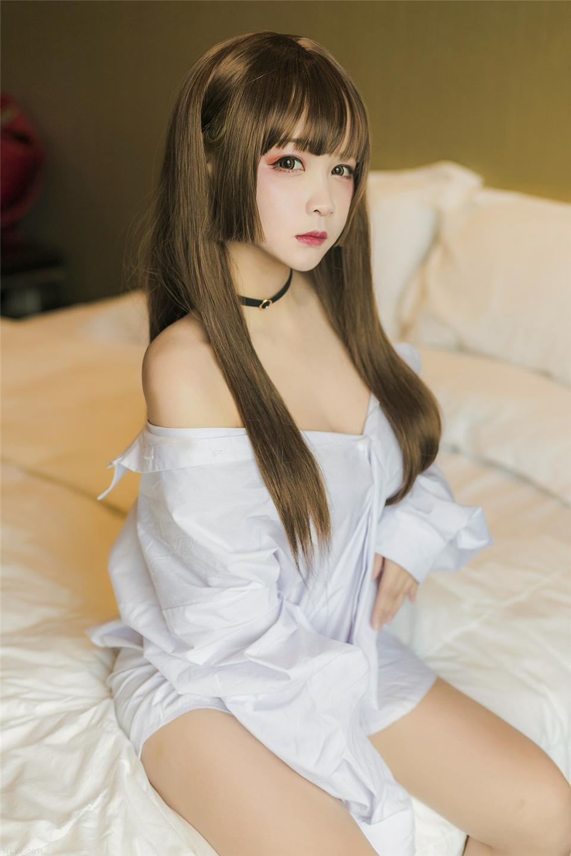 清纯美女 白色衬衫