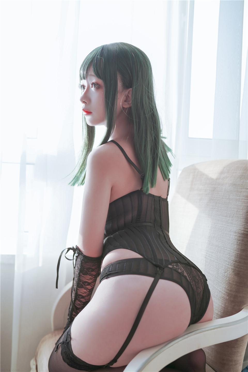 日奈娇 NO.29 情趣黑丝 [9P][161MB]