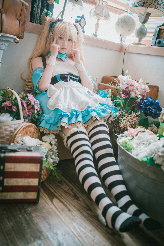 Bambi_ NO.005 Alice in Glasses