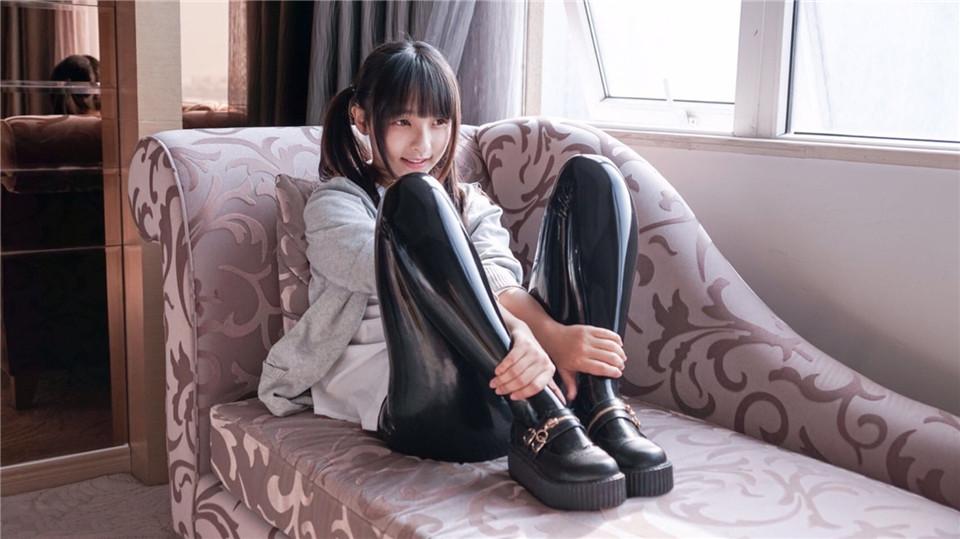 神楽坂真冬 NO.020 黑色皮裤 [30P-52M]