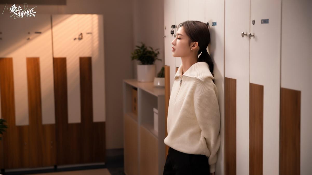 李沁白色毛衣4k高清壁纸