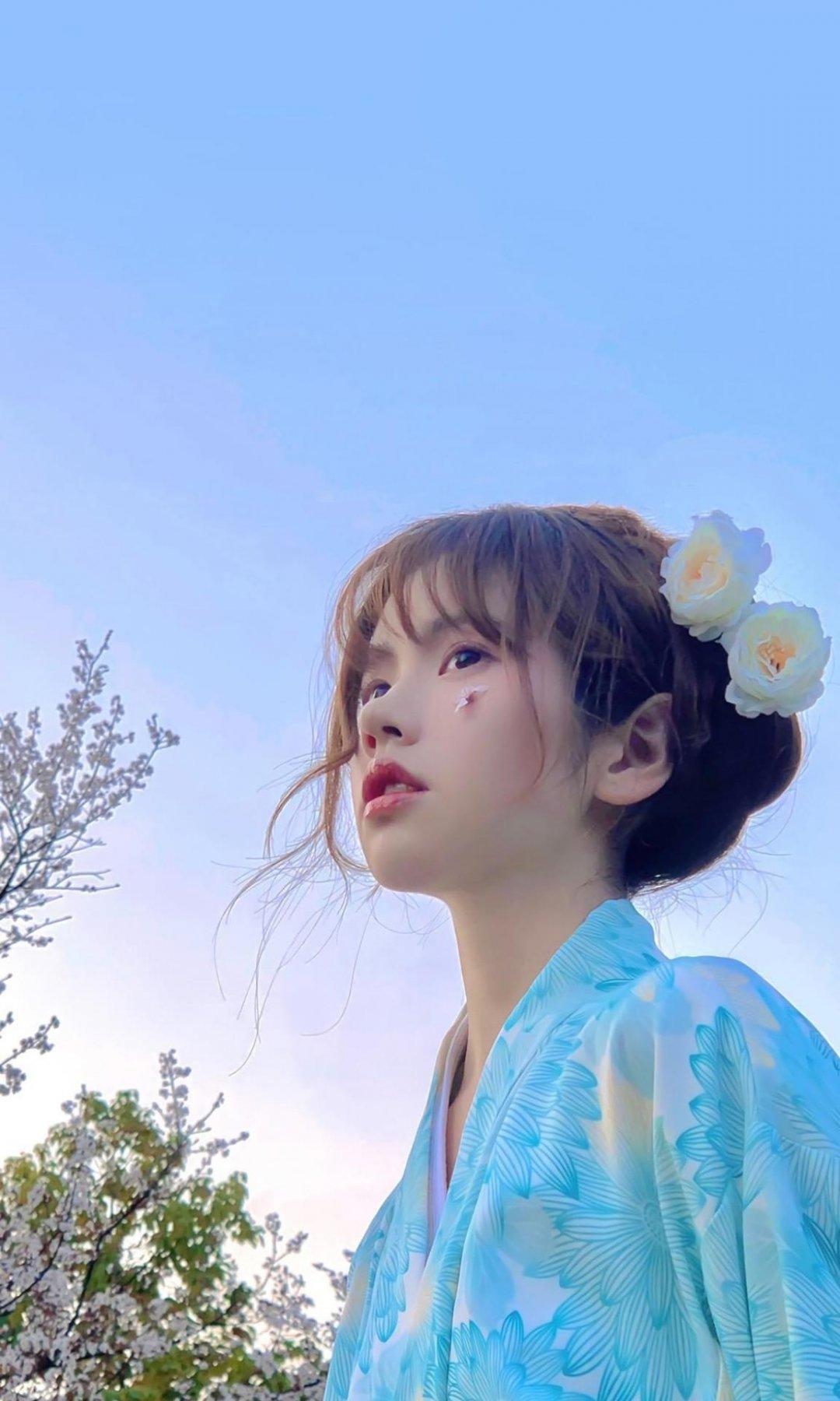 白嫩清纯少女迷人写真