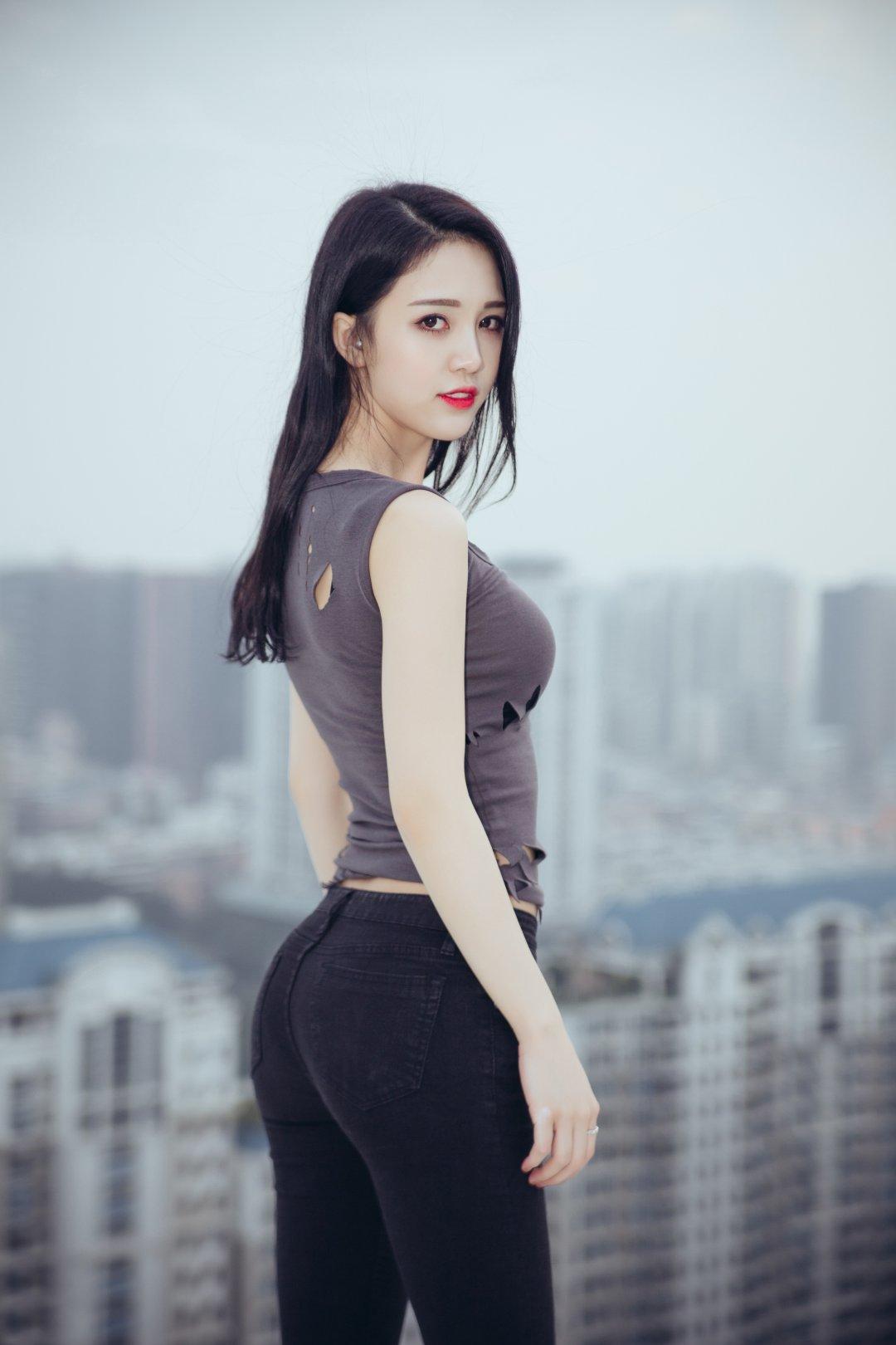 李倩倩 美女侧面摄影高清