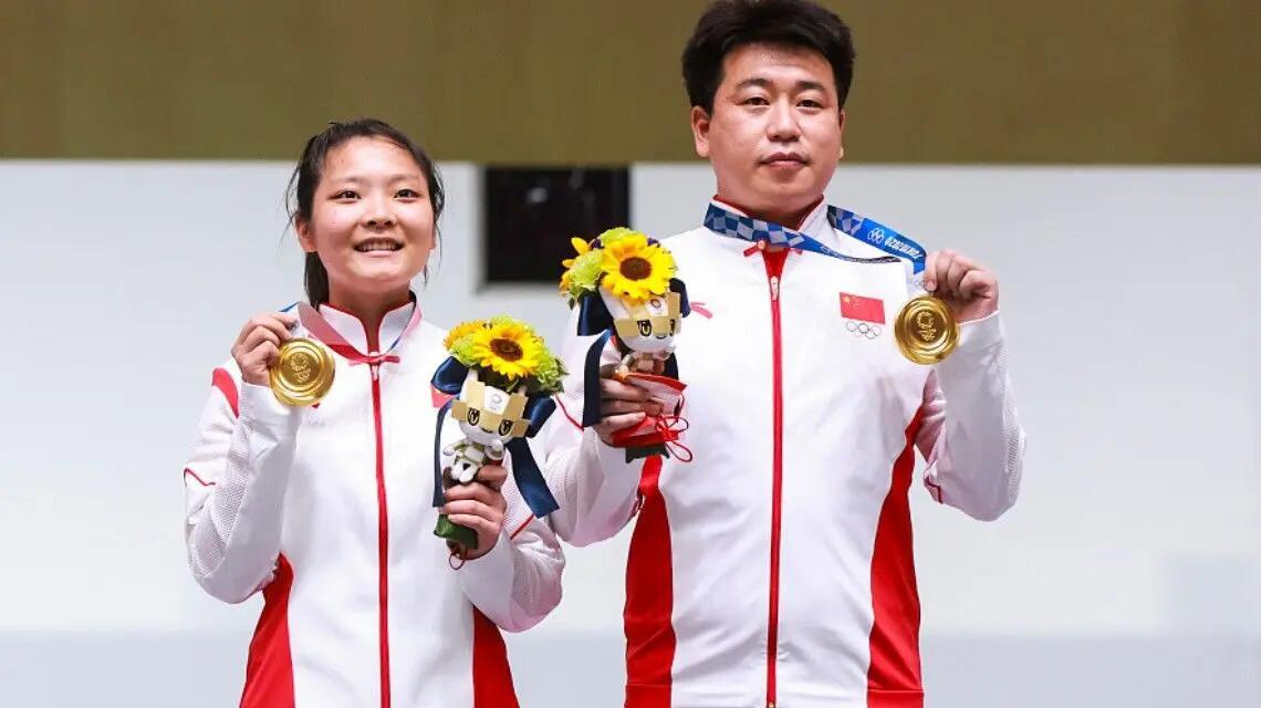 庞伟姜冉馨气手枪混合团体夺金,姜冉馨和庞伟帮助中国代表团取得第7金!