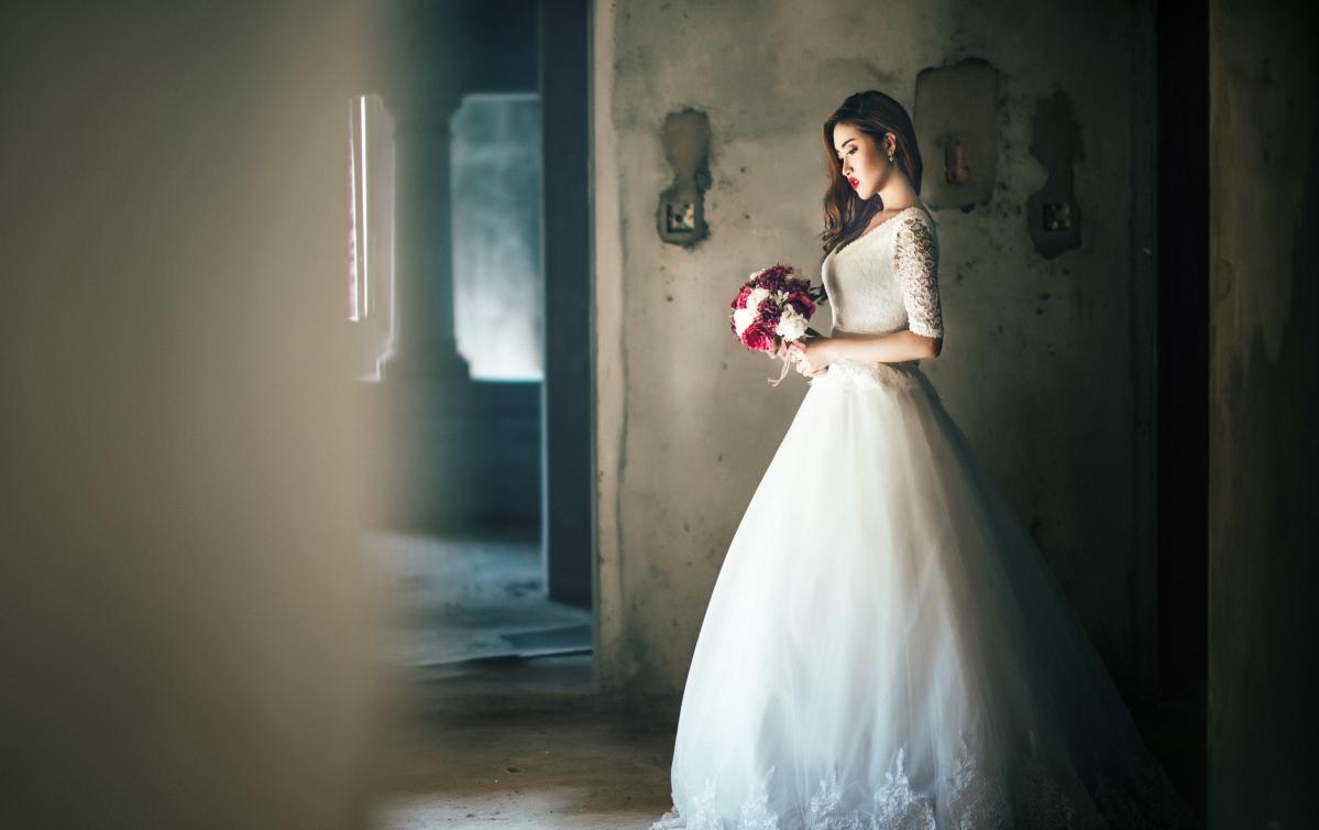 女孩,美女,礼服,裙子婚纱,花卉,旧建筑,图片