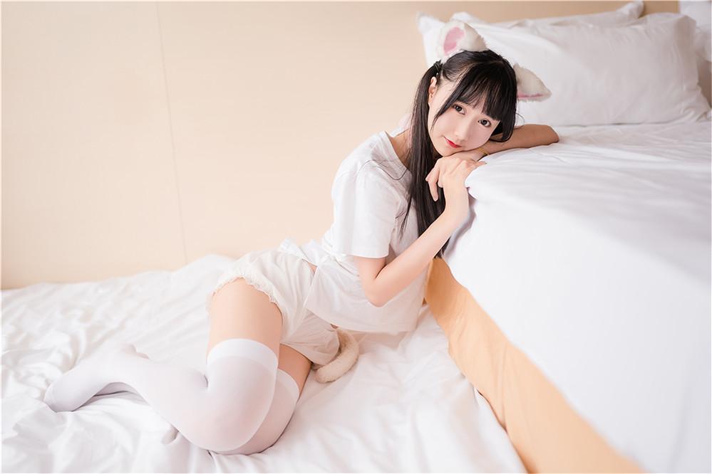 木绵绵OwO – NO.10 猫系少女 [51P-171MB]