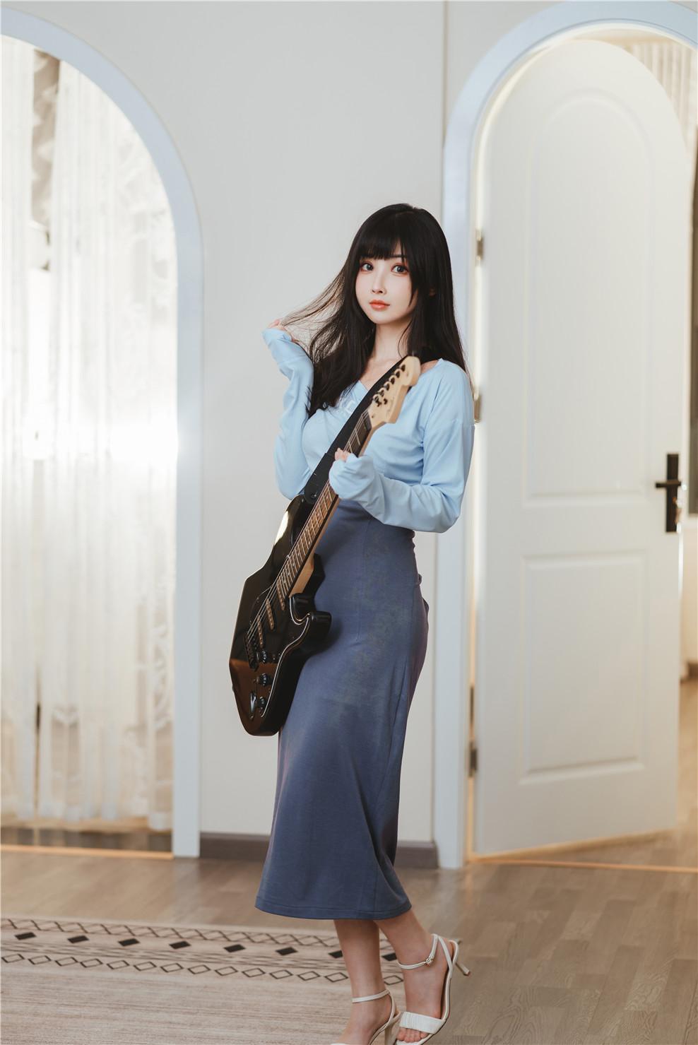 rioko凉凉子——吉他妹妹系带裙[45P+1V-1.24 GB]