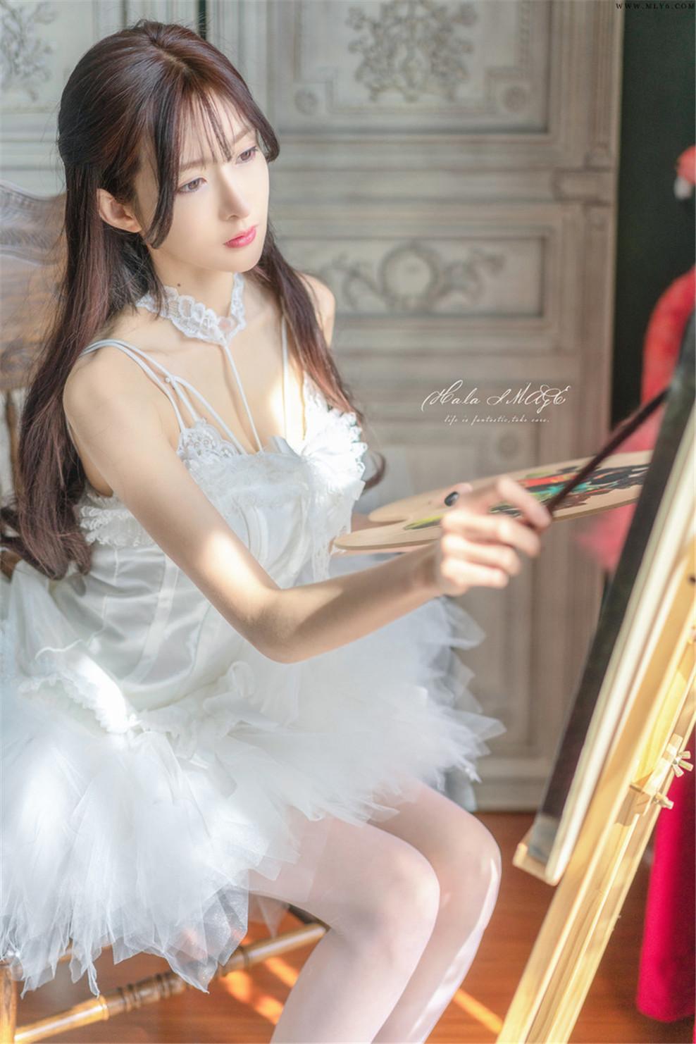 王羽杉Barbieshy – NO.04 白色吊带裙