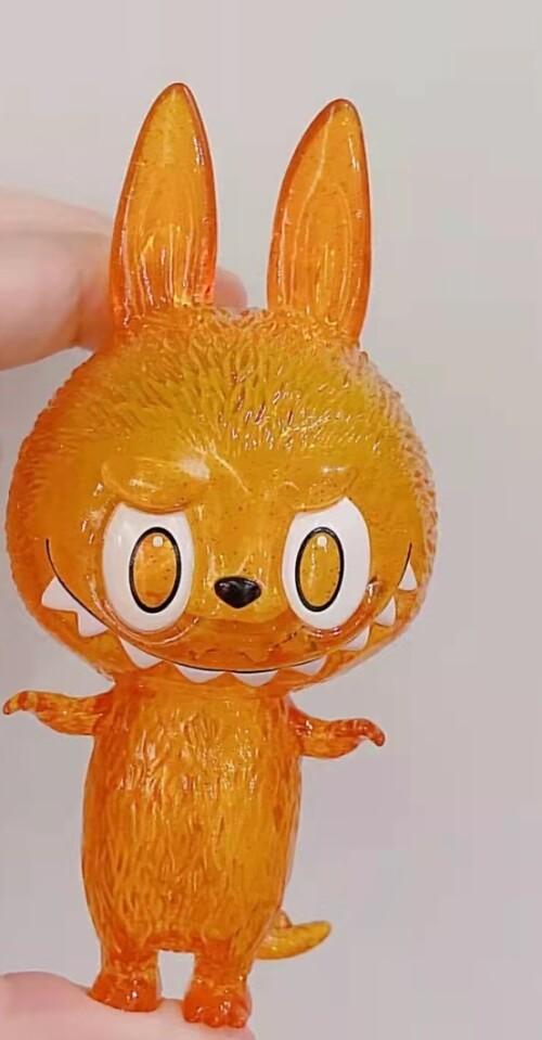 橙labubu